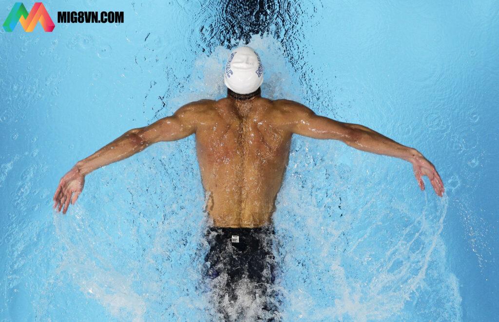 Mơ thấy bơi lội đánh con gì